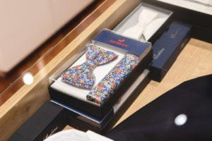 Gemusterte bunte Krawatte von Hemley im Box